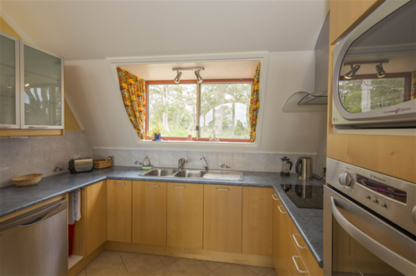 Tennesse Hill Chalets, kitchen chalet 2