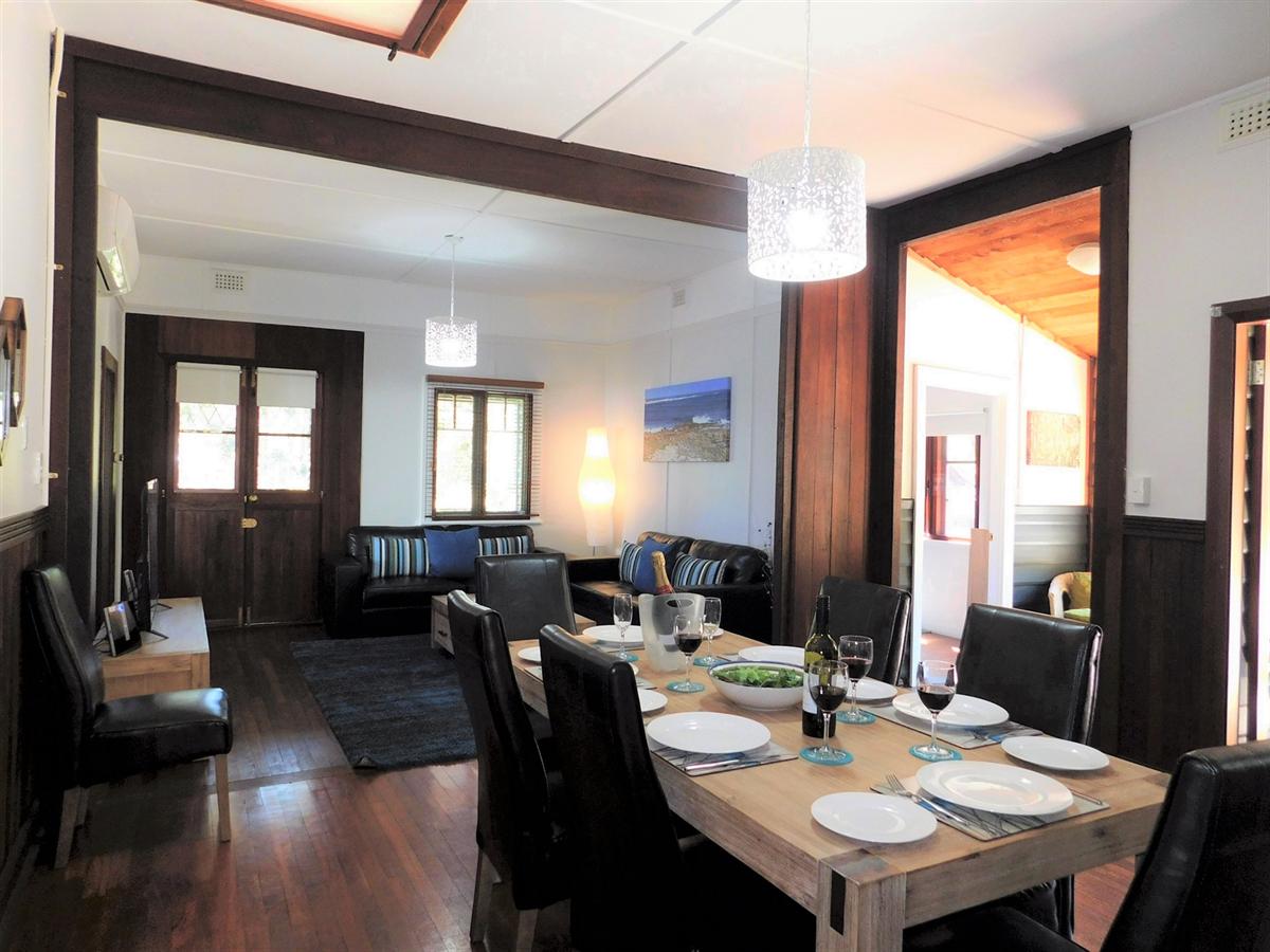 Cottage Dining / Lounge