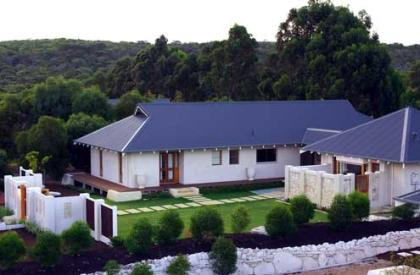 Private, bushland setting