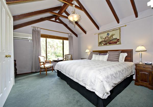 The Rosa Brook King En-suite Room 4
