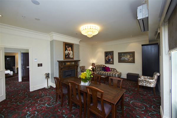 Premier Suite-Dining Room