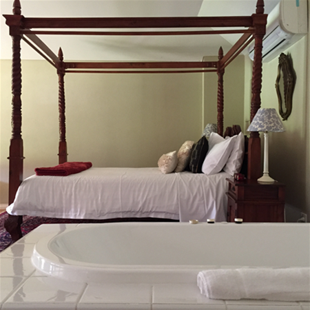 Honeymoon Suite with 4 poster bed