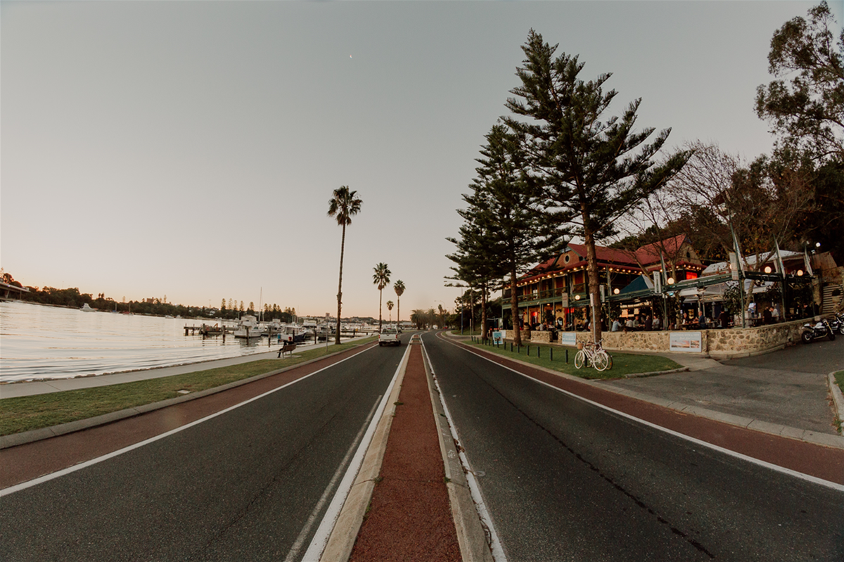 Located right by the Swan River in East Fremantle
