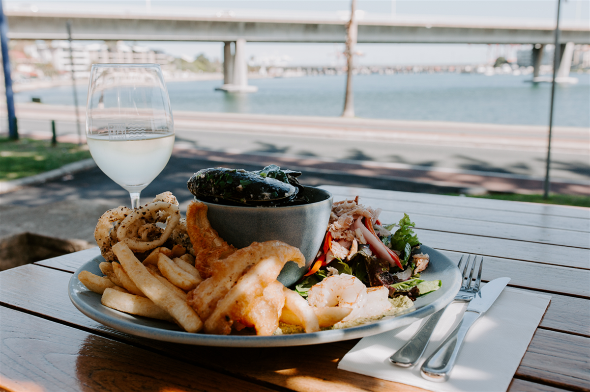 Lunch and Dinner: Seafood Plate