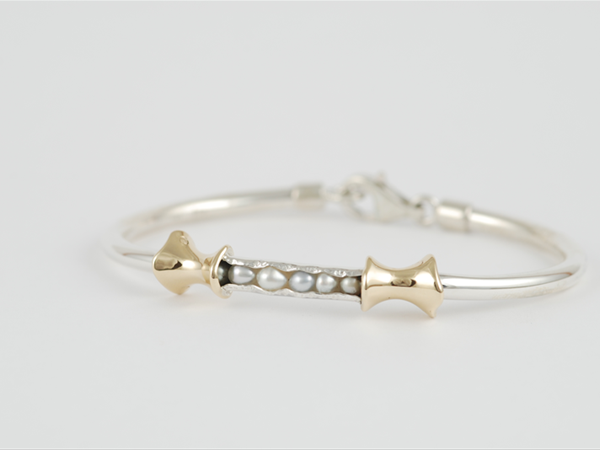 Sterling silver and 9ct yellow gold bracelet with Broome seed pearl