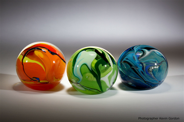Stunning Round Paperweights created by Peter Reynolds