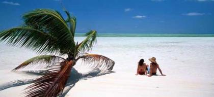White sandy beaches and clear water