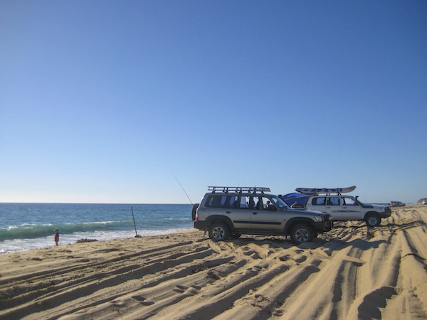 4WD and beach fishing on Whitehills Beach, only 15 minutes from Mandurah