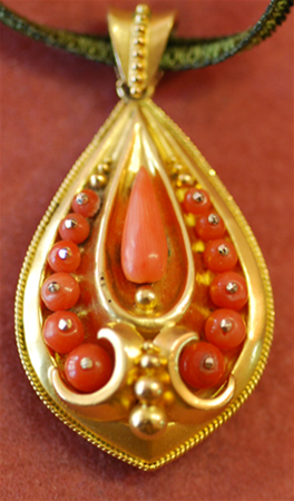 Victorian coral and 15ct gold pendant