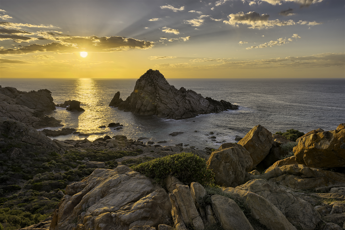 Sugarloaf Rock, Cape to Cape Track - Walk into Luxury