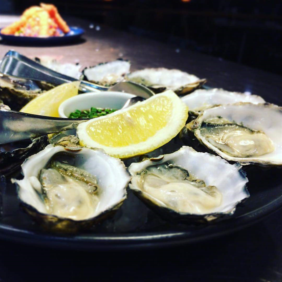 Fresh Natural Oysters