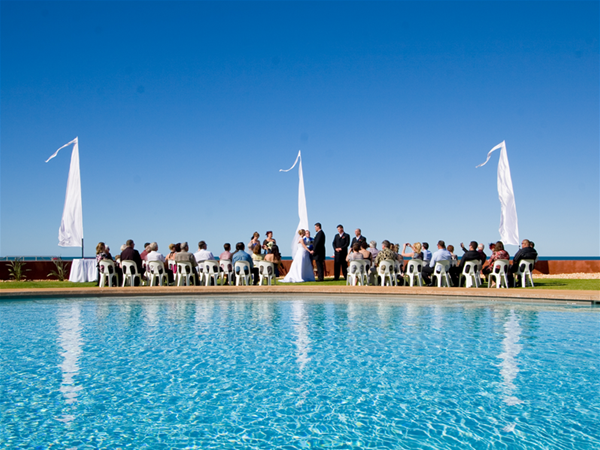 Wedding poolside @ Mantarays Ningaloo Beach Resort