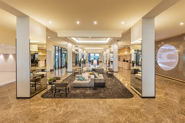 Pan Pacific Perth Lobby
