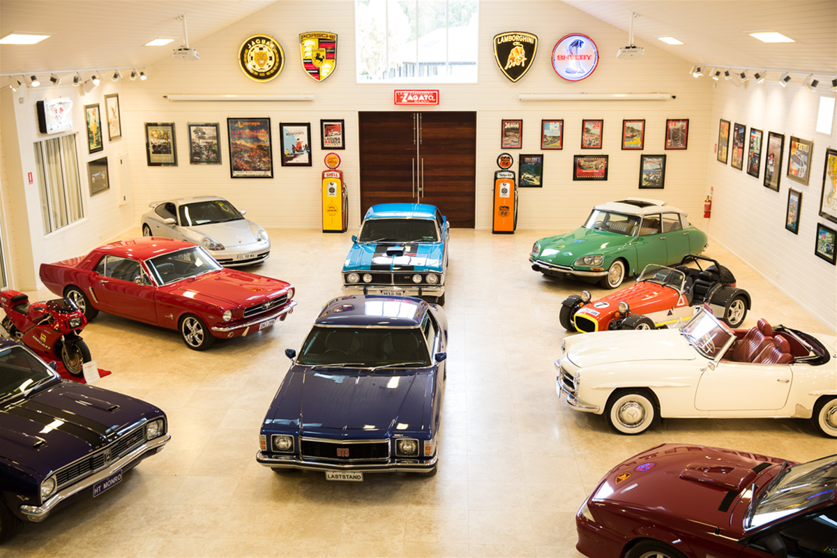 Aravina Car Collection